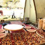 秋冬キャンプのお座敷スタイルの作り方。ラグやシートの重ね方、ラグの種類いろいろ。